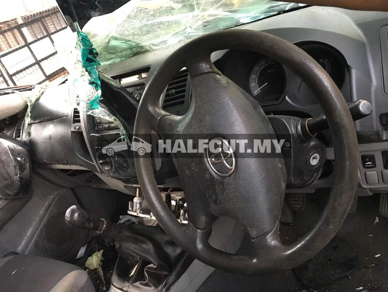 TOYOTA HILUX KUN25 2.5CC 2KD MT 4WD FRONT CUT AND REAR CUT