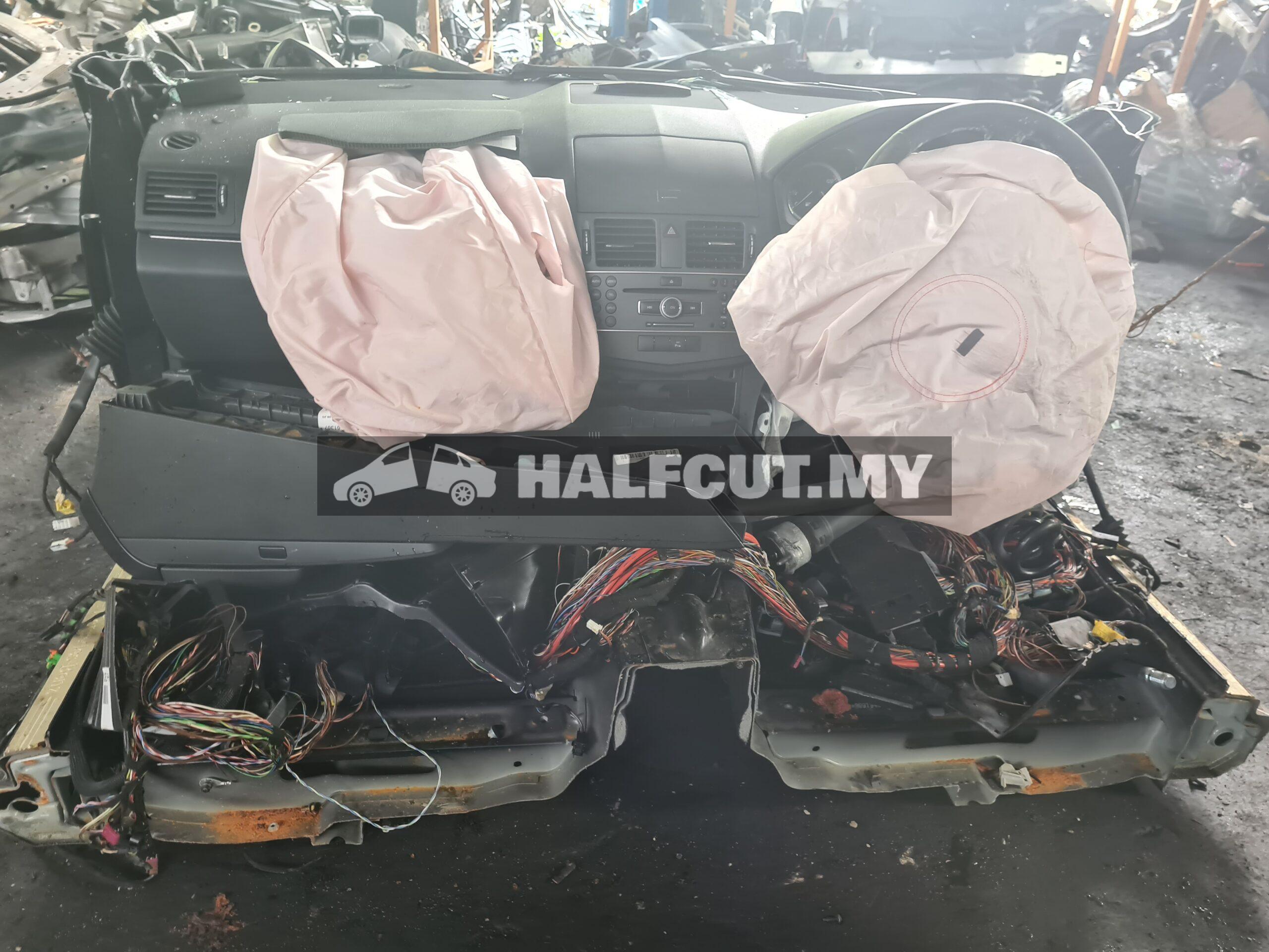 M/Benz w204 cgi halfcut