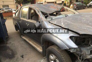 TOYOTA HILUX KUN25 2.5CC AUTO 4WD (2KD) FRONT CUT AND REAR CUT