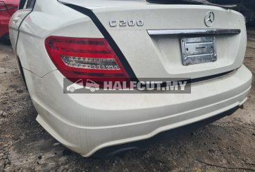 Benz w204 C200 rear cut complete
