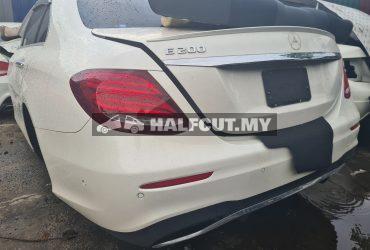 M/benz w213 E200 rear cut complete