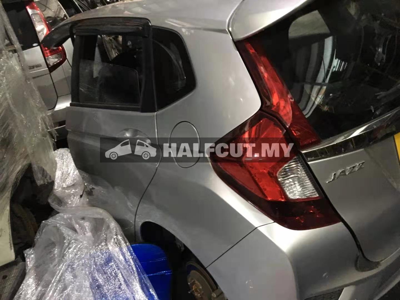 HONDA JAZZ T5A RS HALF CUT& REAR CUT CKD / L15B TWIN CAM AUTO
