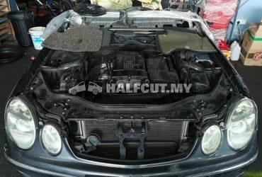 Mercedes E class w211 E200 kompressor half cut